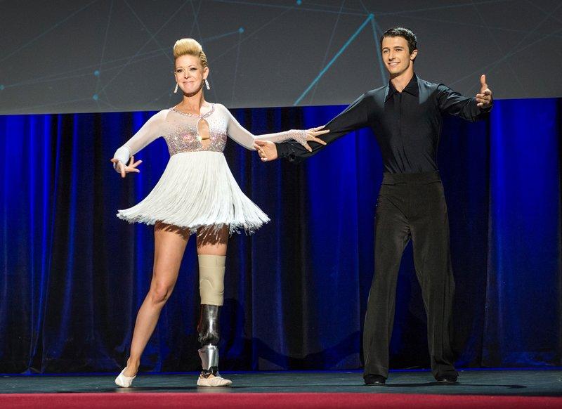 Adrianne Haslet: η επιζήσασα του Boston Marathon χορεύει ακόμη