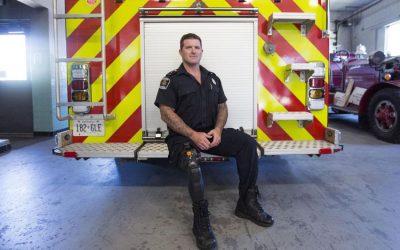 Ο πυροσβέστης του Οντάριο με το προσθετικό πόδι