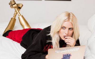 Lauren Wasser: το μοντέλο με τα χρυσά προσθετικά πόδια