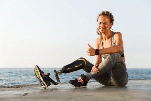 Γυναίκα με προσθετικό πόδι | RehabLine-Χρονόπουλος-Γουγής-Προσθετικά, Κηδεμόνες Σκολίωσης Κύφωσης
